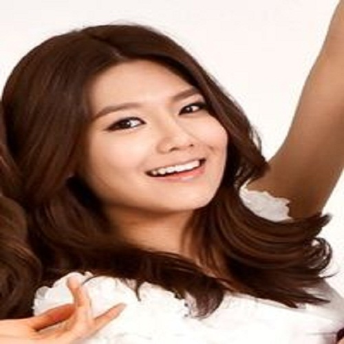 Singer Sooyoung - age: 30