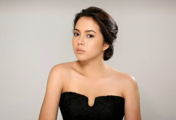 Actress Julia Montes - age: 22