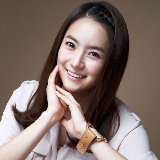 Actress Yoo Ha-na - age: 34