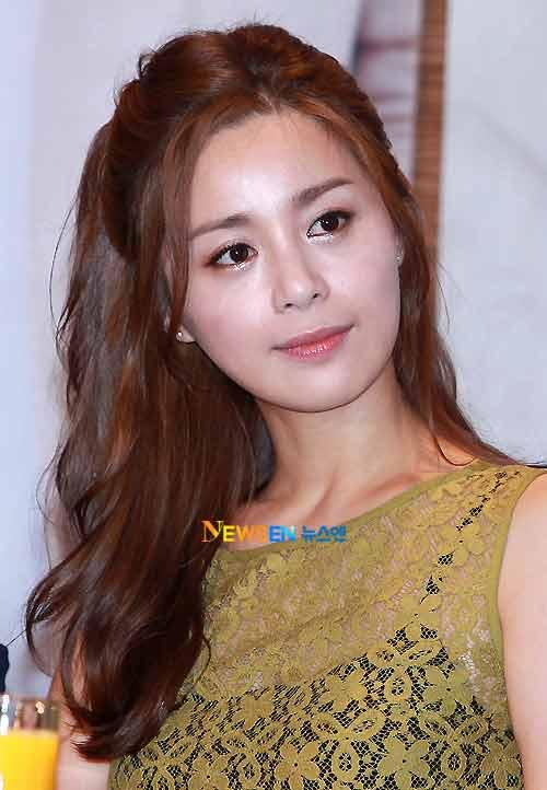 Actress Yeong-hie Seo - age: 40