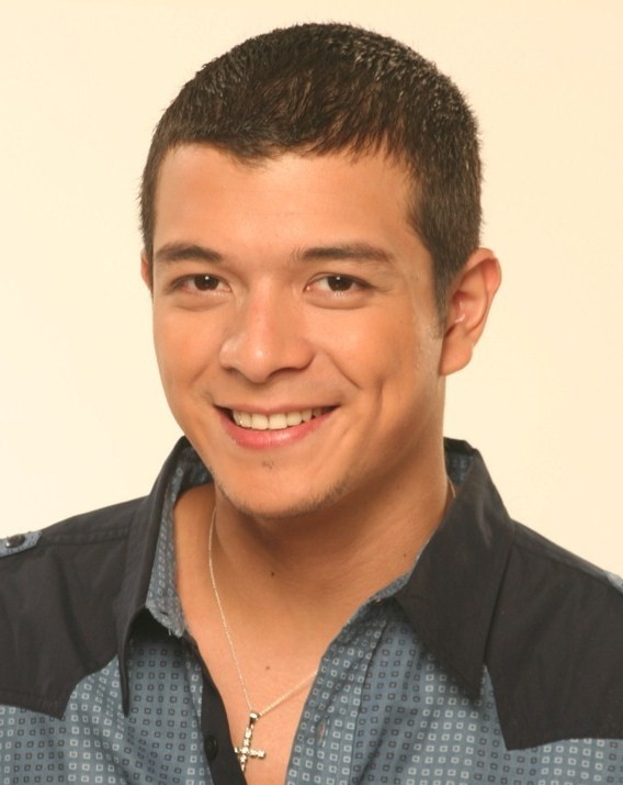 Actor Jericho Rosales - age: 41