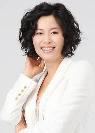 Actress Mi-ri Gyeon - age: 52