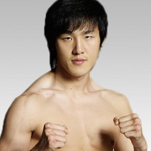 Kickboxer Lee Su-hwan - age: 38