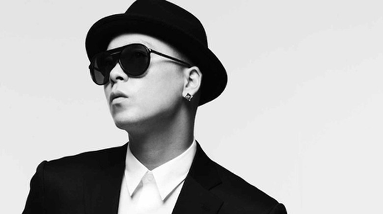Singer Naul - age: 39