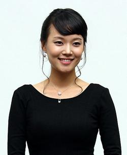 Actress Ga Deuk-Hee  - age: 33