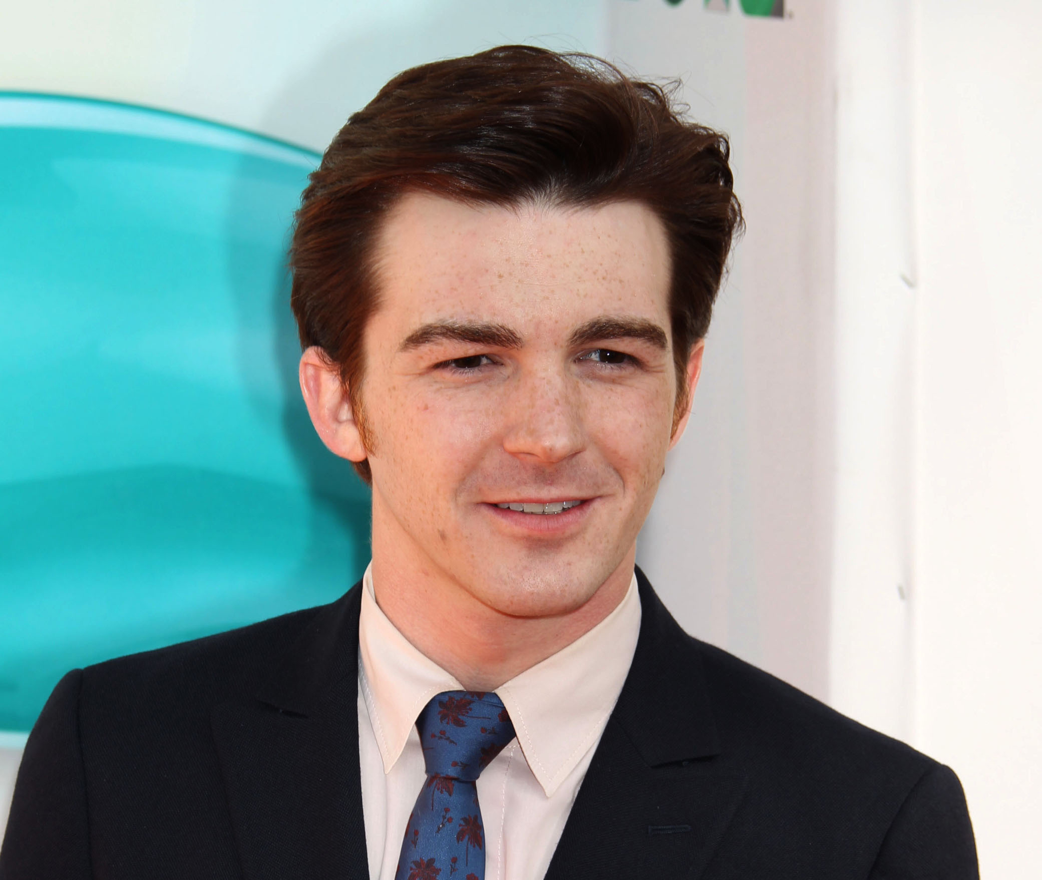 Actor Drake Bell - age: 34