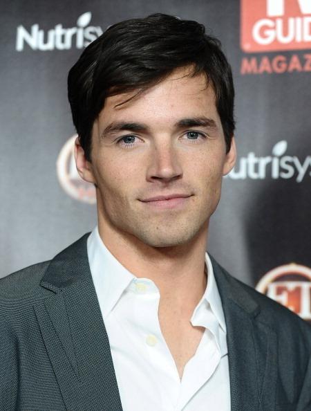 Actor Ian Harding - age: 35