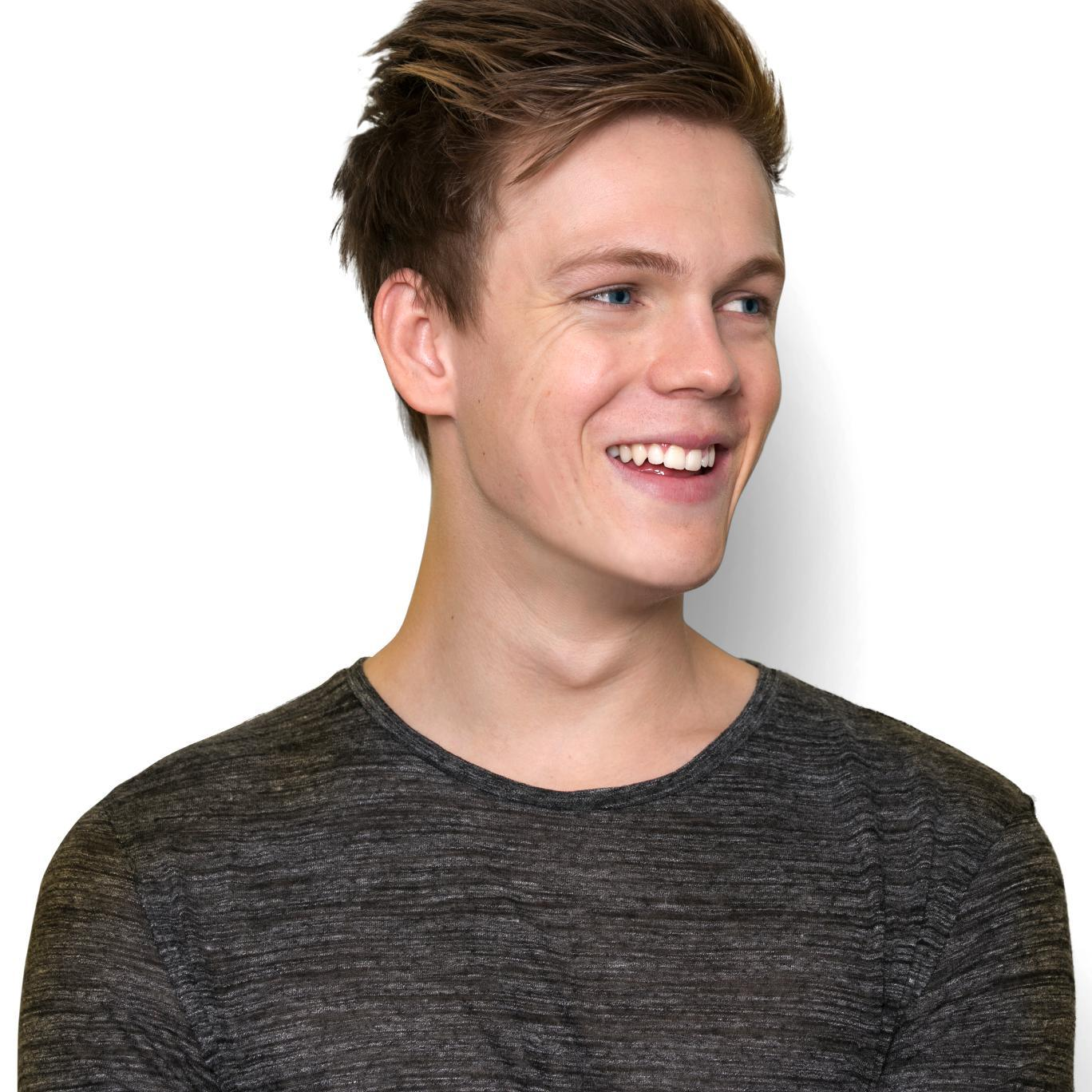 Web Video Star Caspar Lee - age: 26