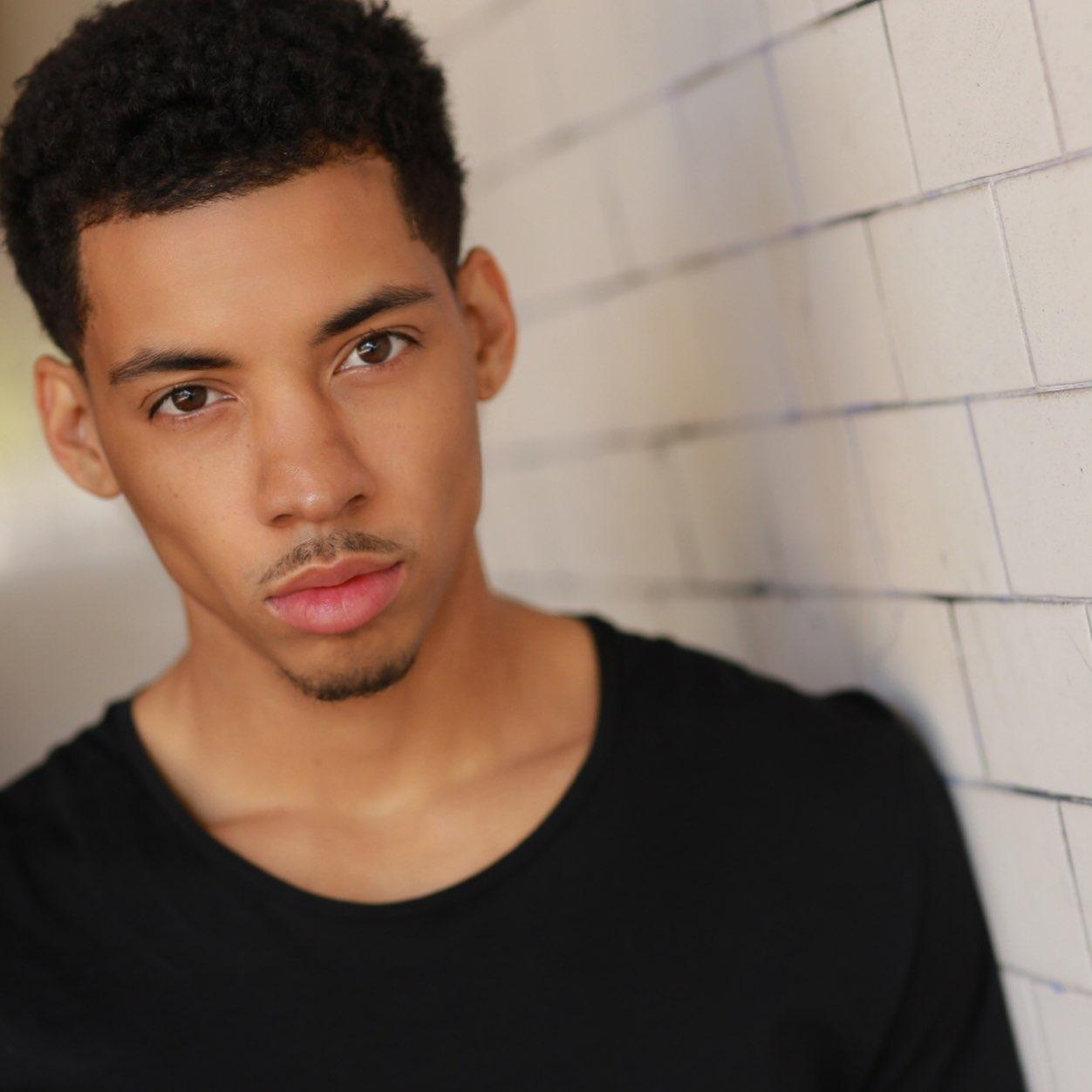 Web Video Star Melvin Gregg - age: 28