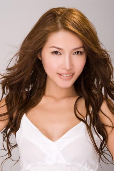 Model Amber Chia - age: 35