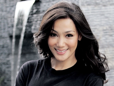 Actress Erra Fazira - age: 46