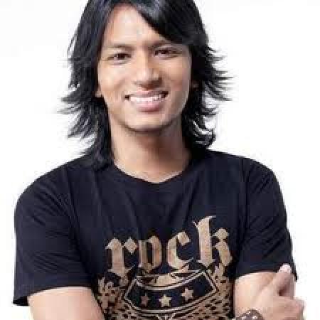 Singer Faizal Tahir - age: 38