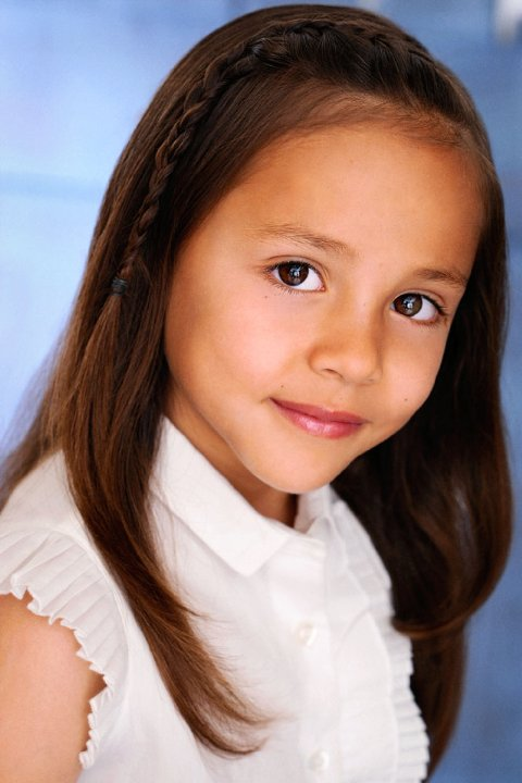 Actress Breanna Yde - age: 17