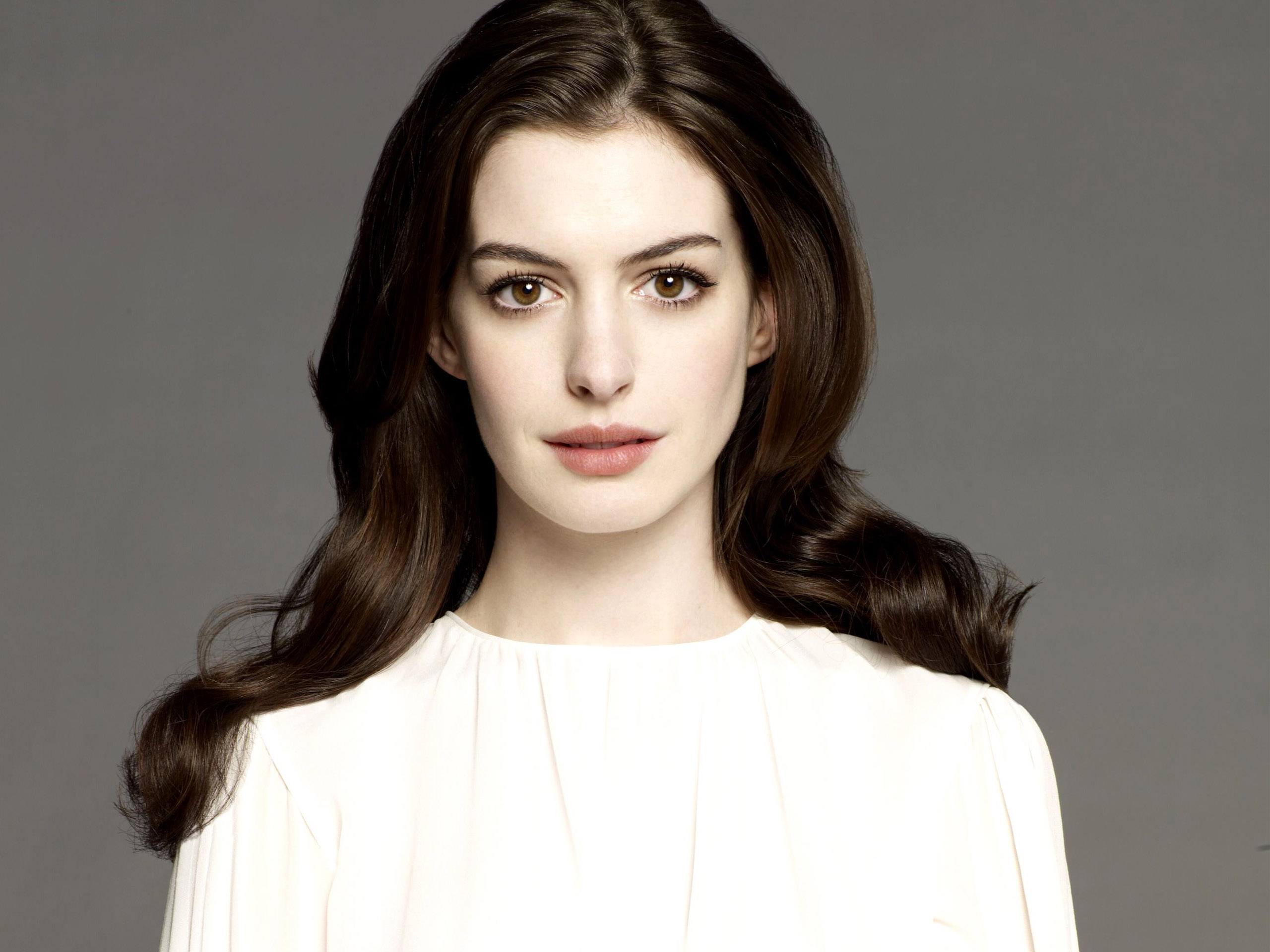 Actress Anne Hathaway - age: 34