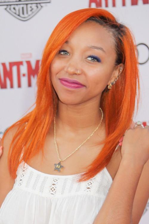Singer Zonnique Pullins - age: 21