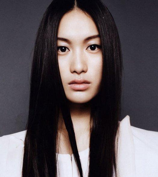 Model Emma Pei - age: 32