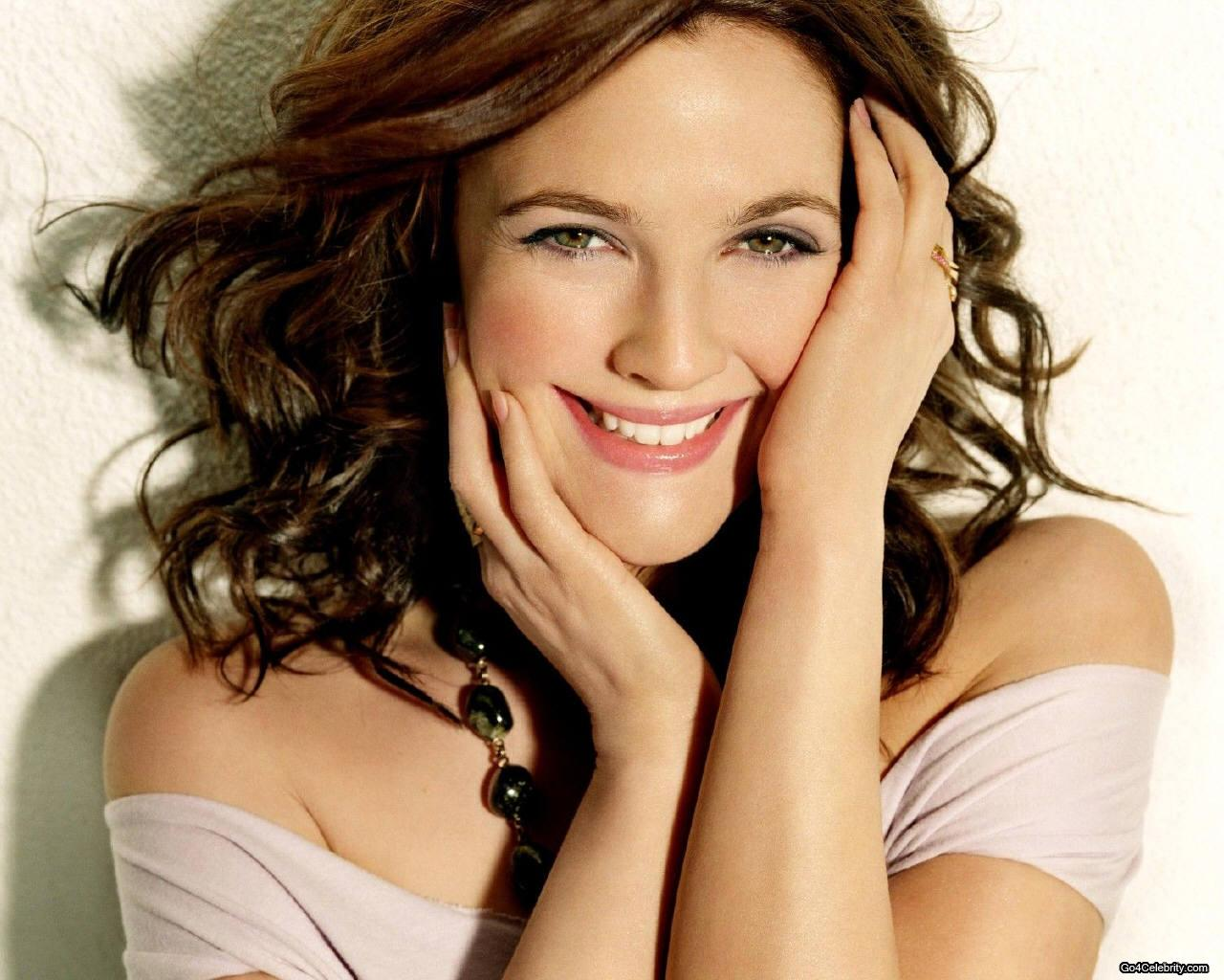 Actress Drew Barrymore - age: 42