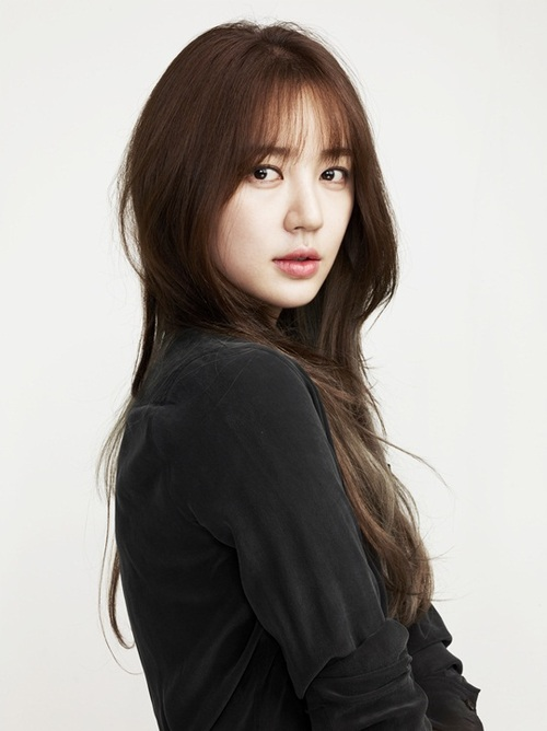 Actress Yoon Eun-hye - age: 36