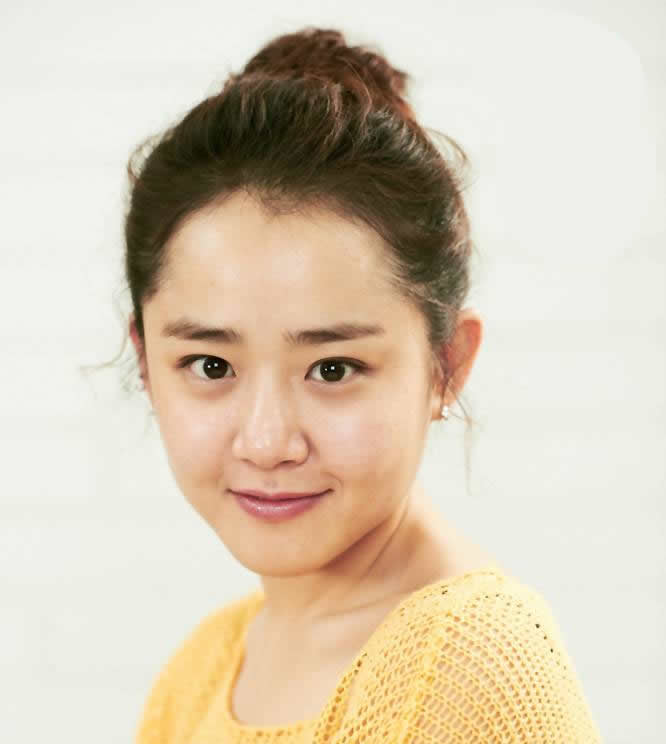 Actress Geun-young Moon - age: 33