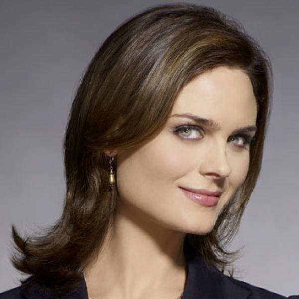 TV Actress Emily Deschanel - age: 41