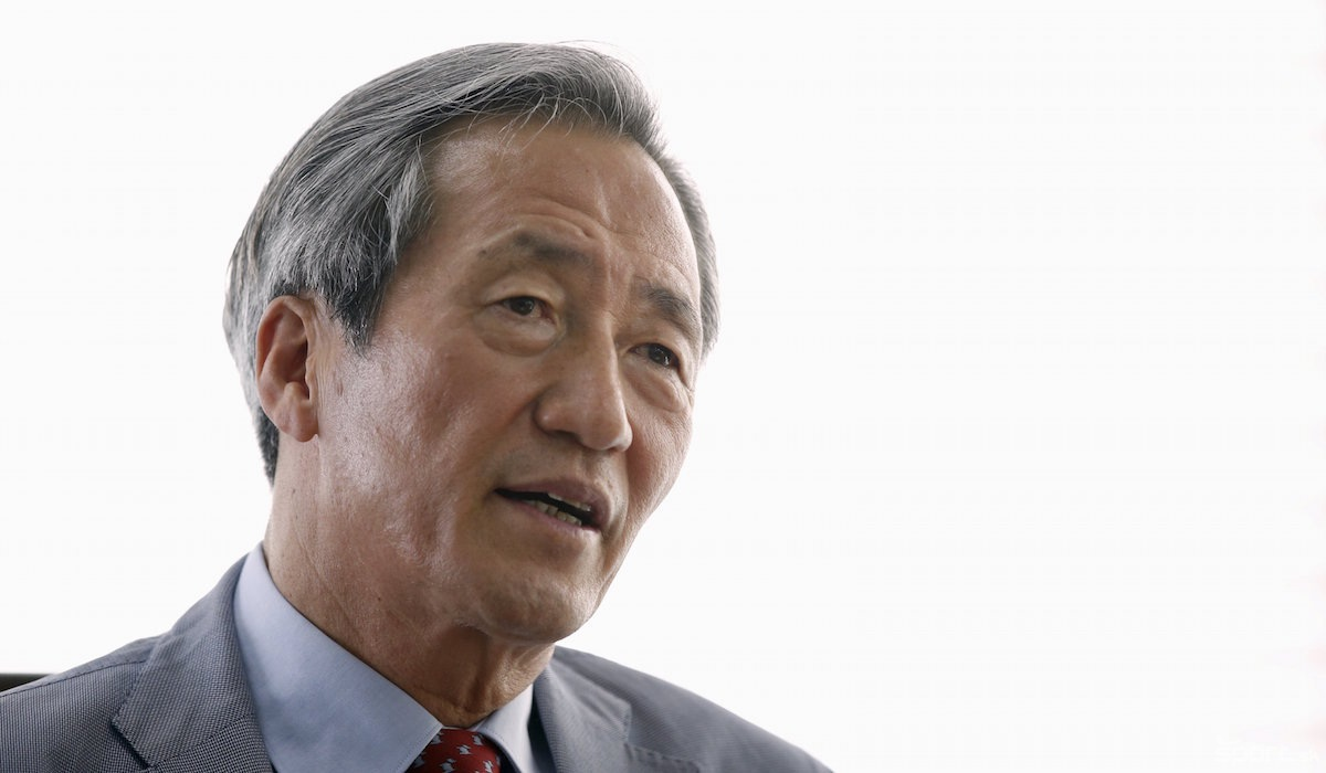 Politician Chung Mong-joon - age: 69