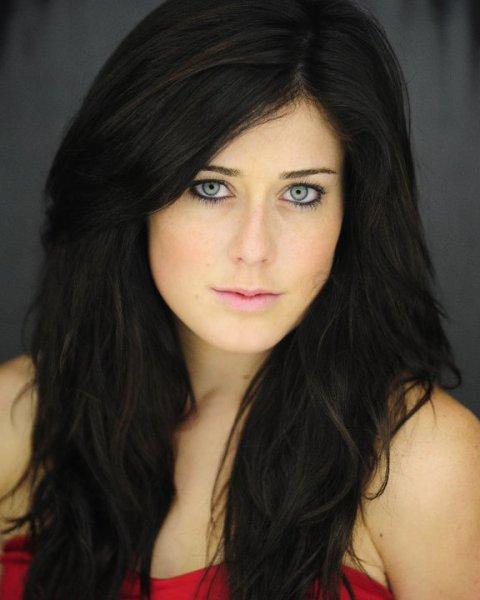 web video star Manon Mathews - age: 32