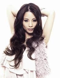 Singer-songwriter Hannah Tan - age: 39