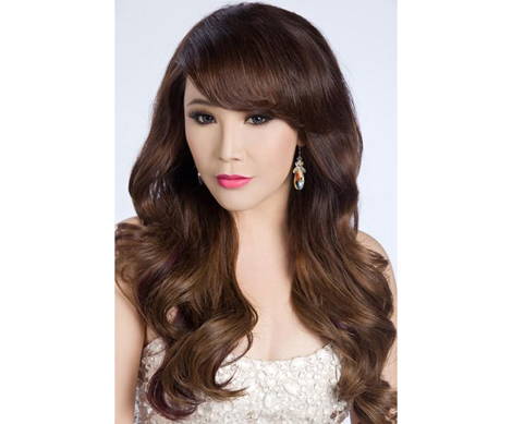 Singer Ho Quynh Huong - age: 40