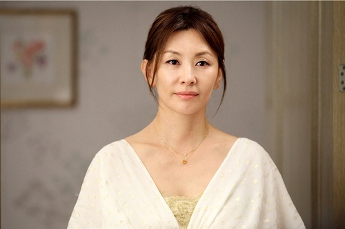 Actress Mi-suk Lee - age: 61