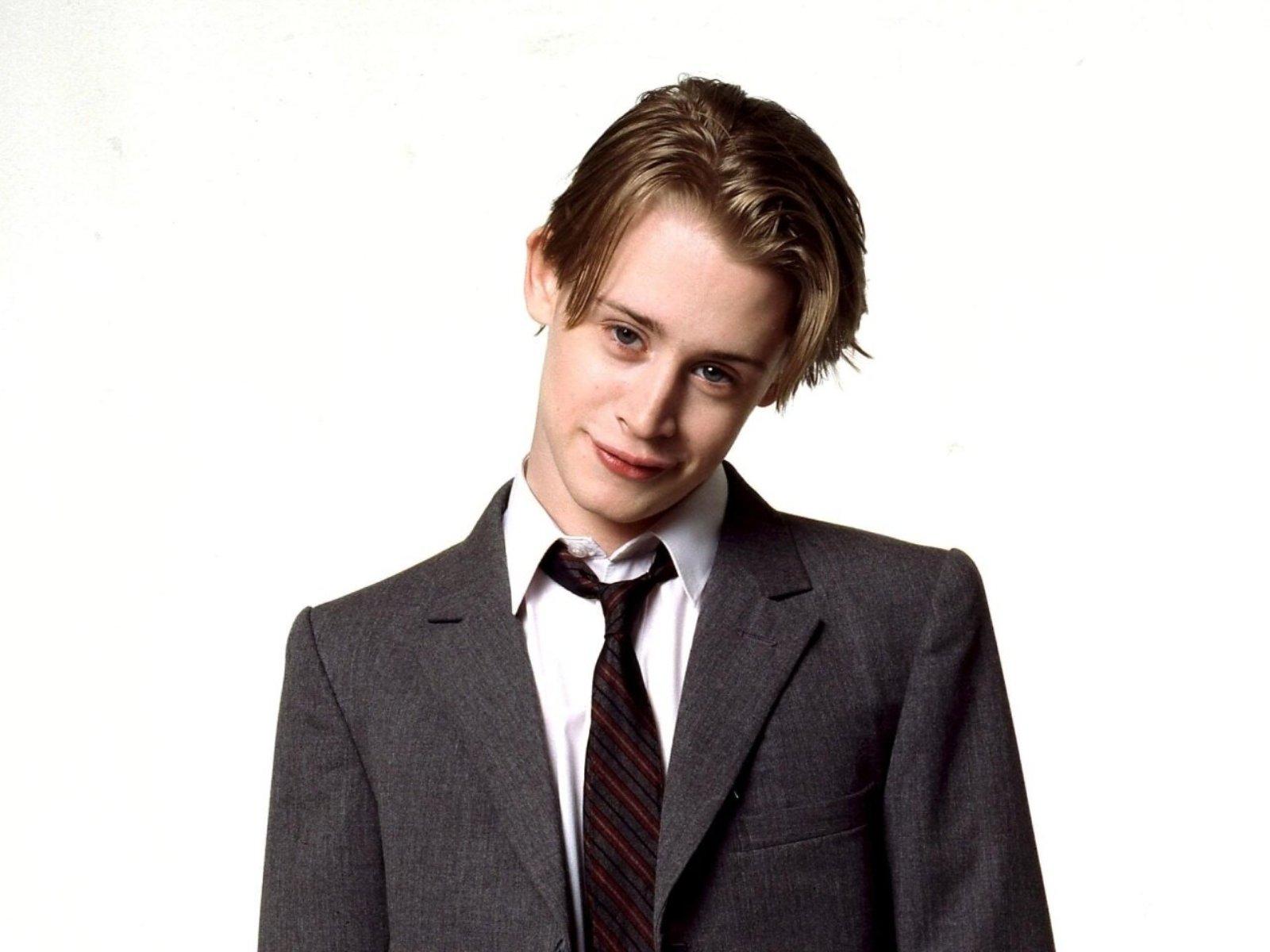 Actor Macaulay Culkin - age: 2