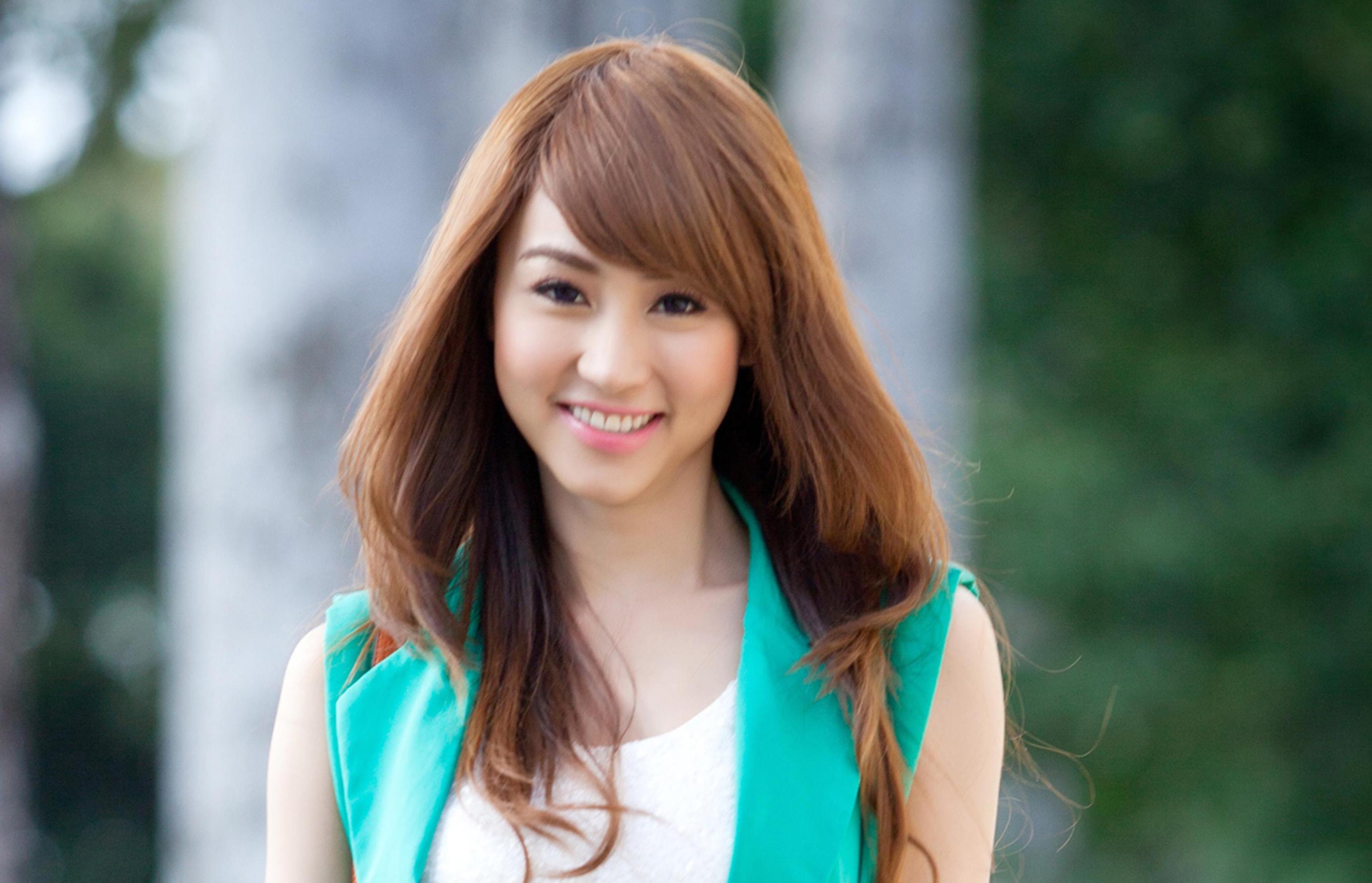 Actress Ngan Khanh - age: 35
