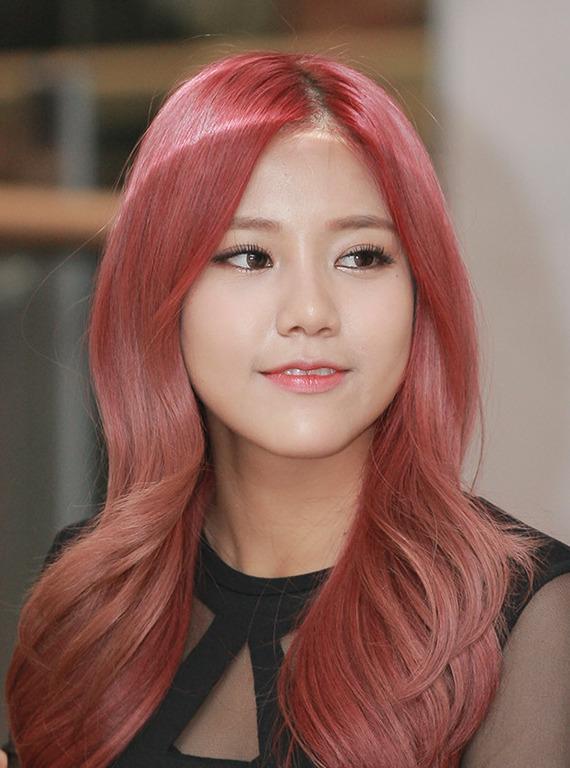 Singer Shin Hyejeong - age: 27