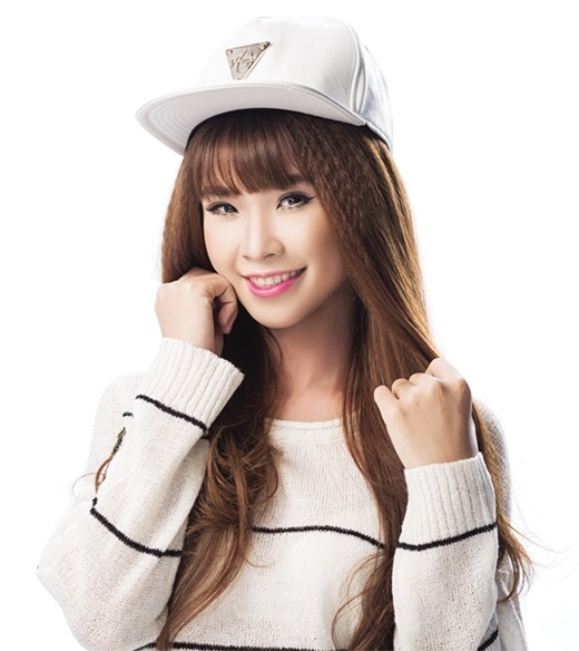 Singer Khoi My - age: 27