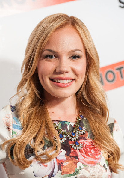 web video star Lisa Schwartz - age: 39