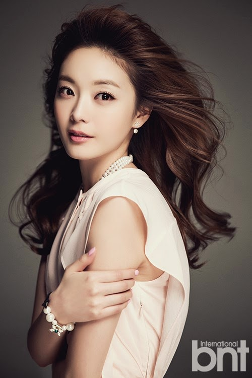 Actress So-Min Jeon - age: 35