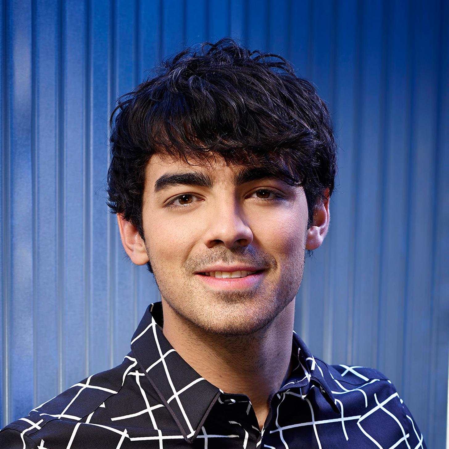 Singer Joe Jonas - age: 27