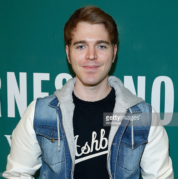 Web Video Star Shane Dawson - age: 32