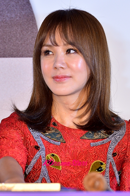 Actress Uhm Jung-hwa - age: 51