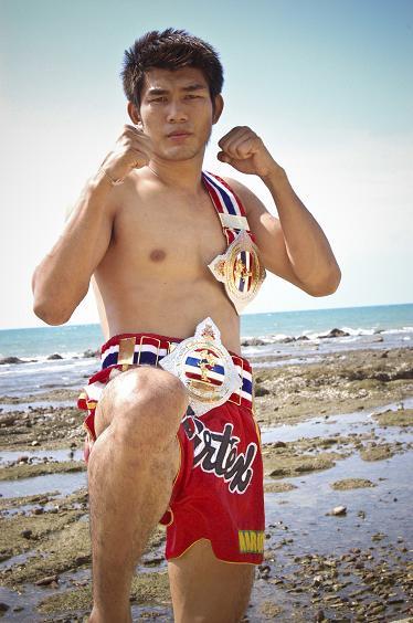 Boxer Naruepol Fairtex - age: 32