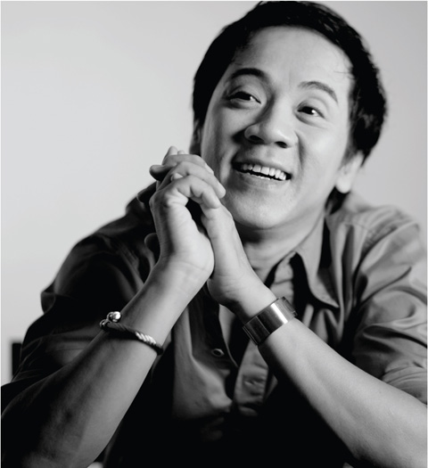 Artist Thanh Loc - age: 59