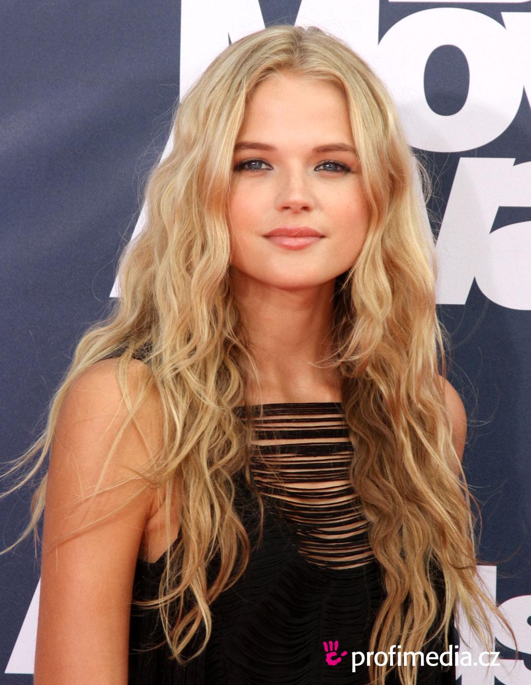 Movie actress Gabriella Wilde - age: 28