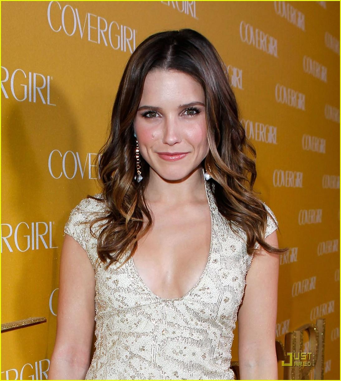 TV Actress Sophia Bush - age: 35
