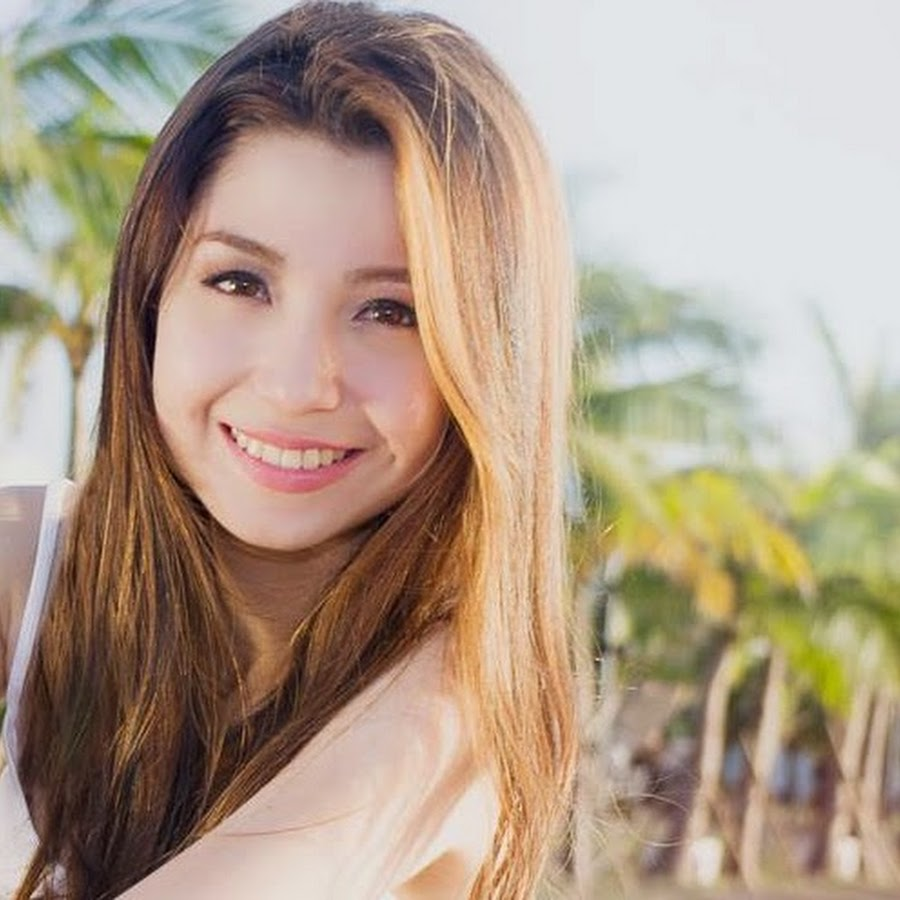 Singer-songwriter Donnalyn Bartolome - age: 26