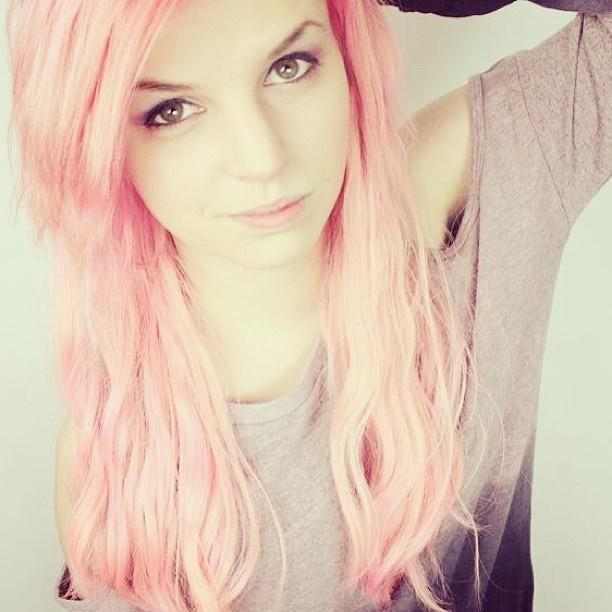 Vlogger Emma Blackery - age: 26