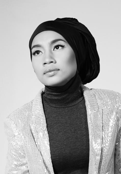 Singer-songwriter Yuna Zarai - age: 34