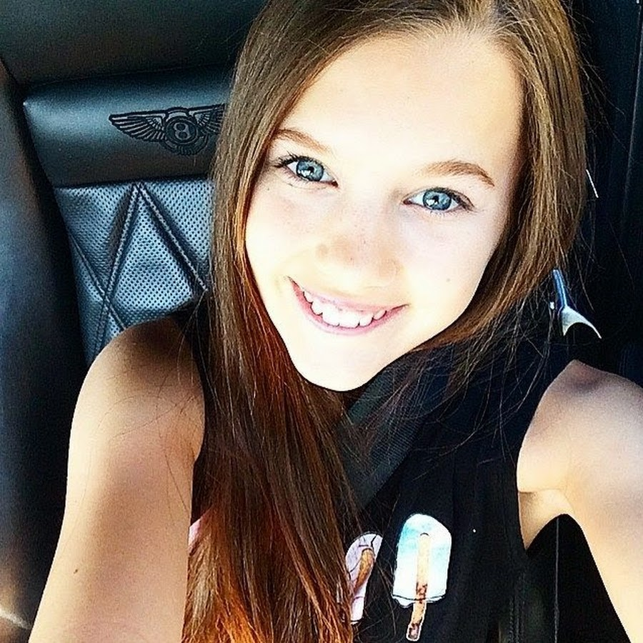 Dancer Emily Rollins - age: 18