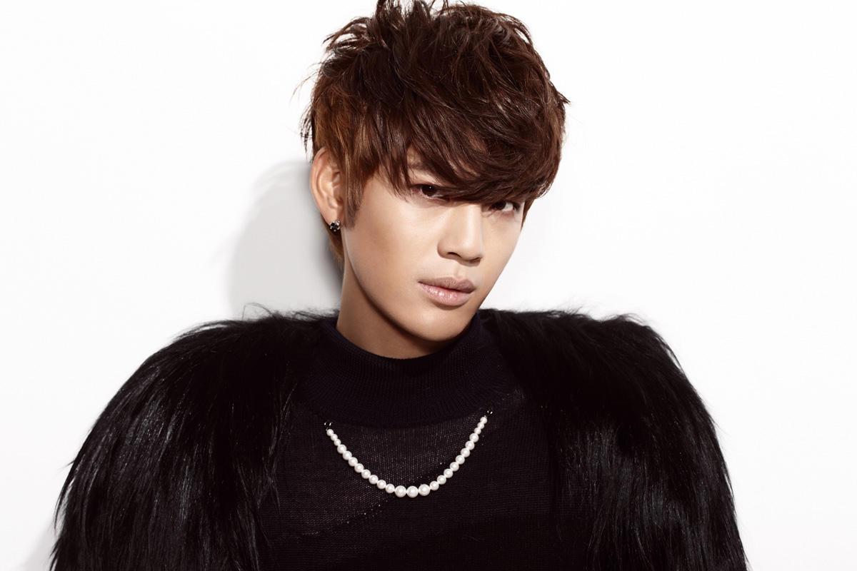 Singer Seven (singer) - age: 36