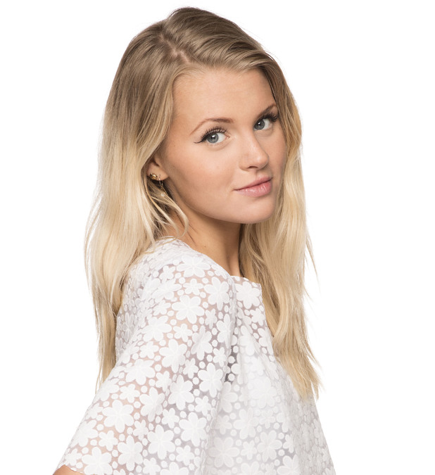 Actress Hetti Bywater - age: 22