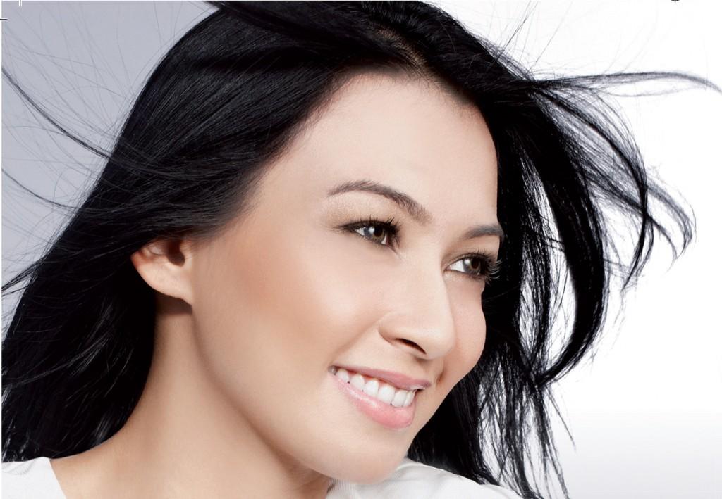 Singer Misha Omar - age: 35