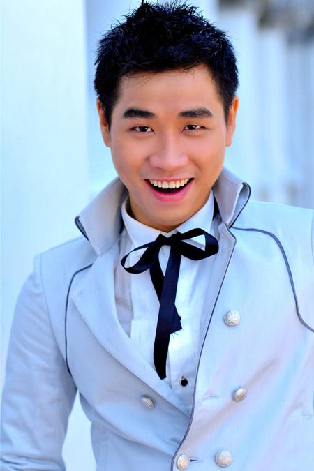 MC Nguyen Khang - age: 37
